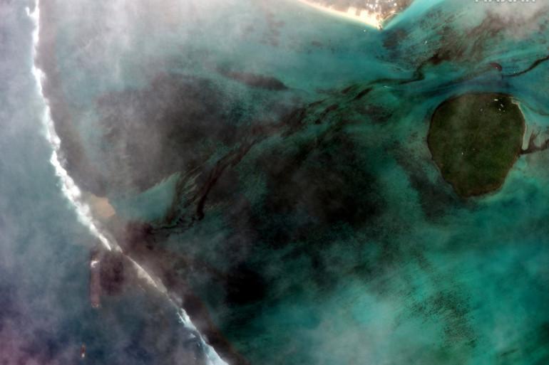 Des hydrocarbures s'écoulent sur la côte sud-est de l'île Maurice.