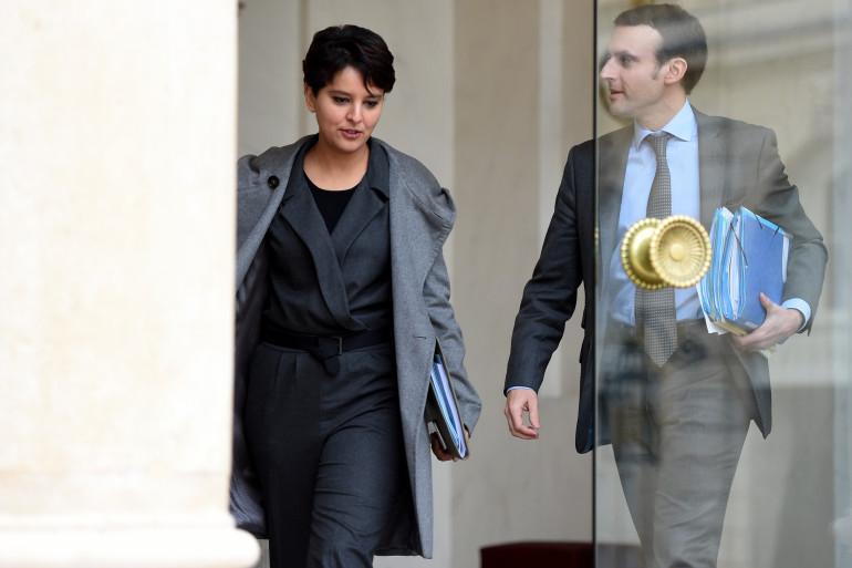 Najat Vallaud-Belkacem et Emmanuel Macron, à la sortie d'un conseil des ministres