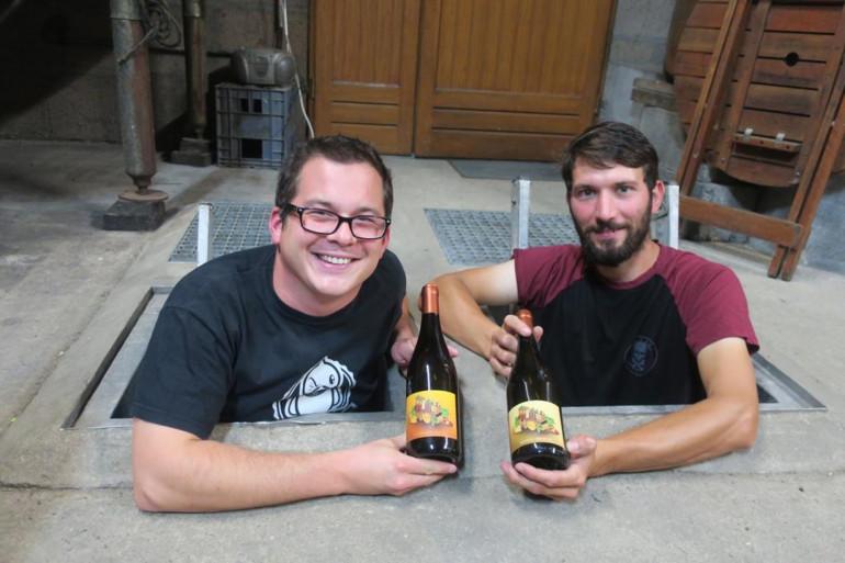 Après trois essais, les deux copains viennent de sortir un vin aux saveurs de bière.