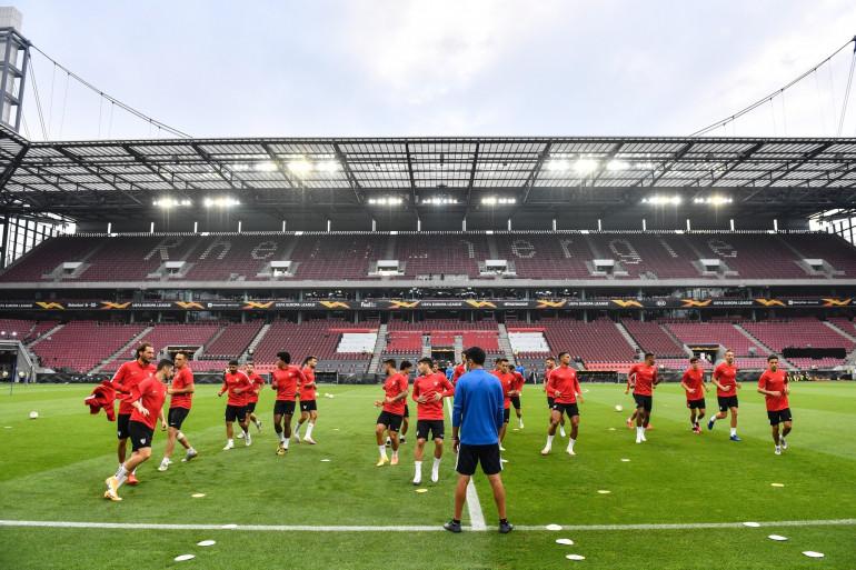Le Séville FC s'est qualifié en finale de l'Europa league en battant Manchester United.