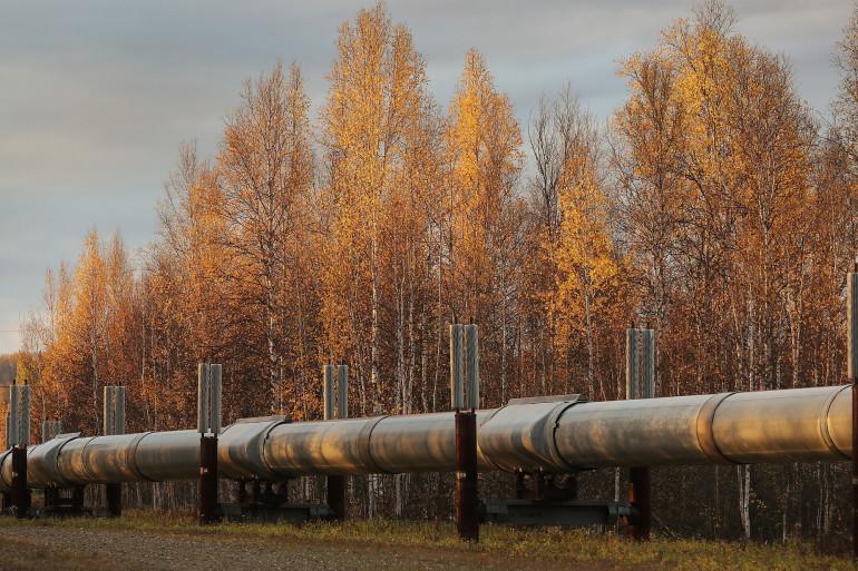 Une partie du réseau de pipelines Trans Alaska à Fairbanks, en Alaska. Le pipeline de 800 miles de long transporte le pétrole de Prudhoe Bay à Valdez.