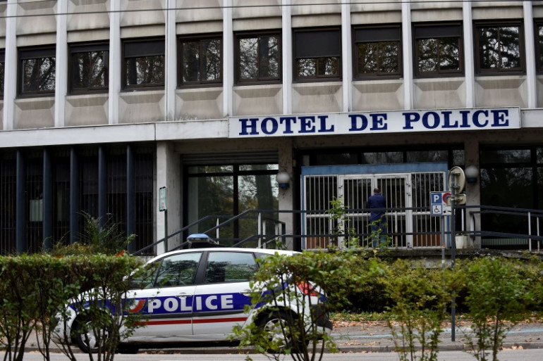 Le commissariat de police dans lequel les cinq agents responsable de la mort d'un riverain à Grenoble le 28 octobre ont été amenés