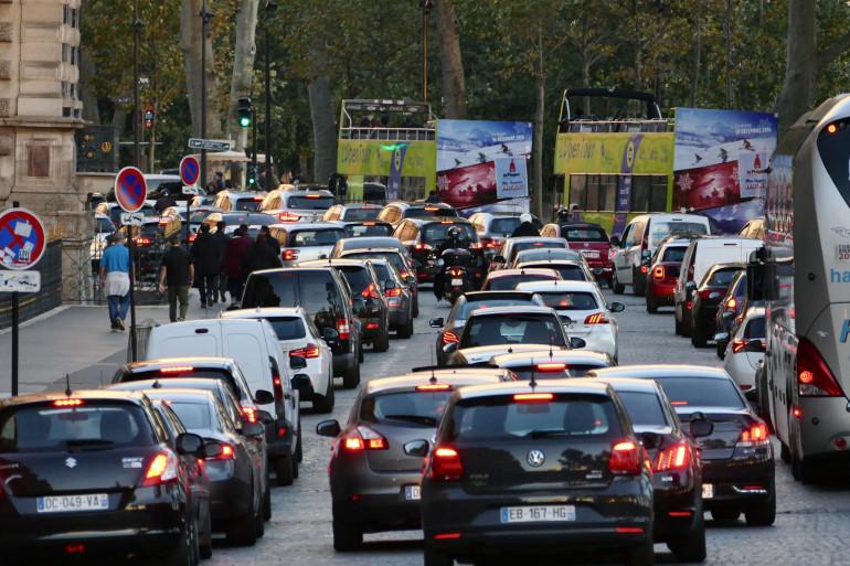 Des bouchons générés par la fermeture des voies sur berge à Paris