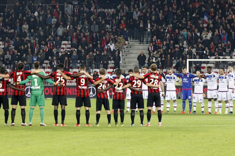 Niçois et Lyonnais observent une minute de silence le 20 novembre 2015