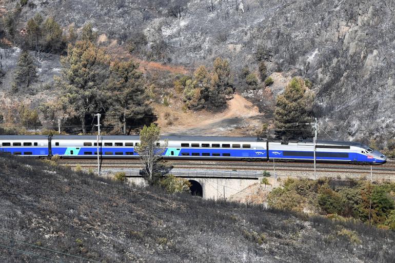 Le conducteur a loupé l'arrêt à la gare de Nîmes Pont-du-Gard