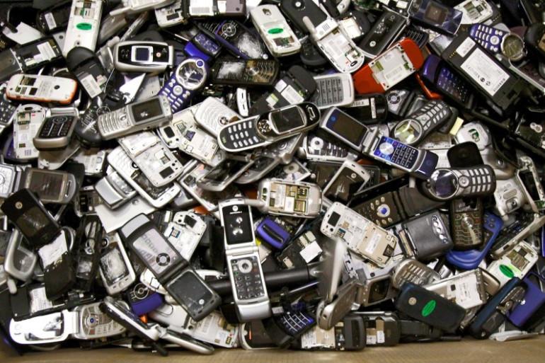Des téléphones portables hors d'usage (illustration)