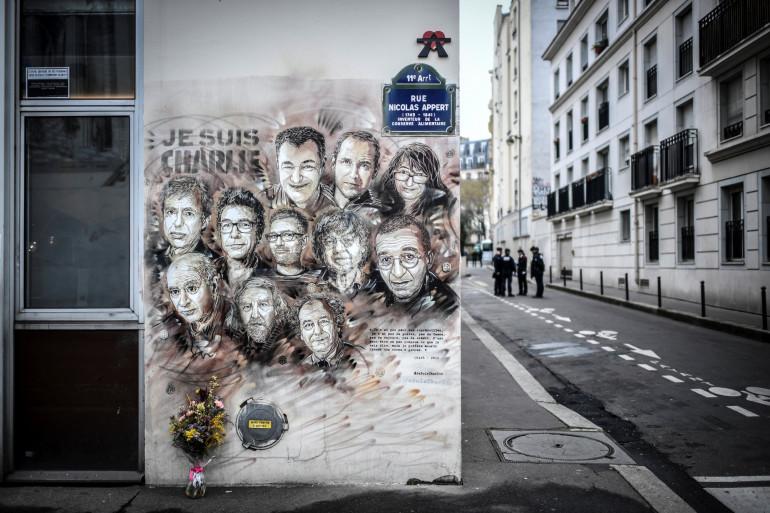 Une fresque en hommage aux victimes de attentats de Charlie Hebdo, le 7 janvier 2019, à Paris