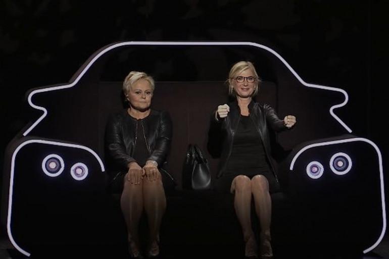 """Muriel Robin et Michèle Laroque sur scène dans """"Ils s'aiment depuis 20 ans"""""""