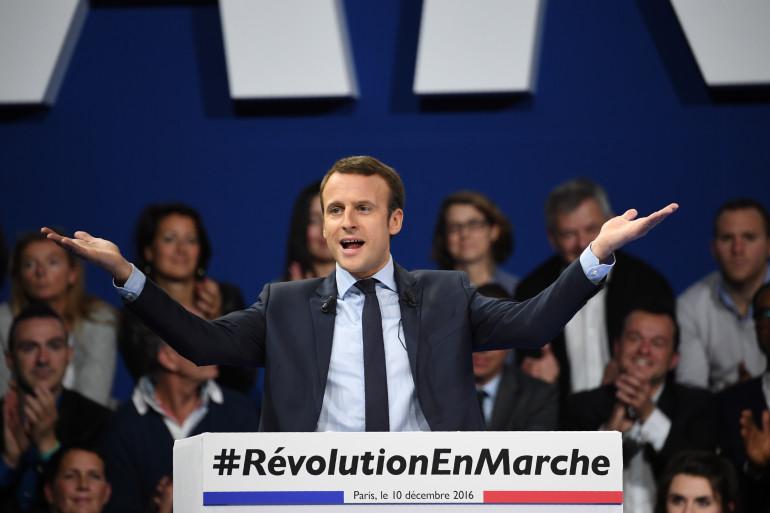 Emmanuel Macron en meeting à Paris, samedi 10 décembre 2016.
