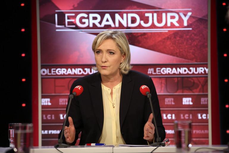 """Marine Le Pen sur le plateau du """"Grand Jury"""" le 11 décembre 2016."""