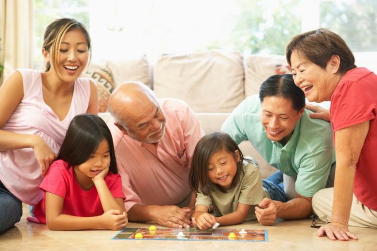 Le plaisir de se retrouver en famille autour d'un jeu