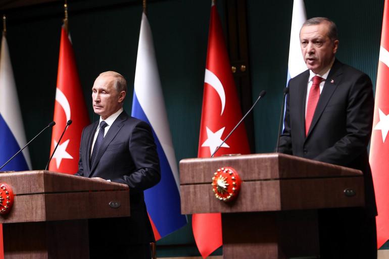 Vladimir Poutine et  Recep Tayyip Erdogan au palais présidentiel d'Ankara le 1er décembre 2014