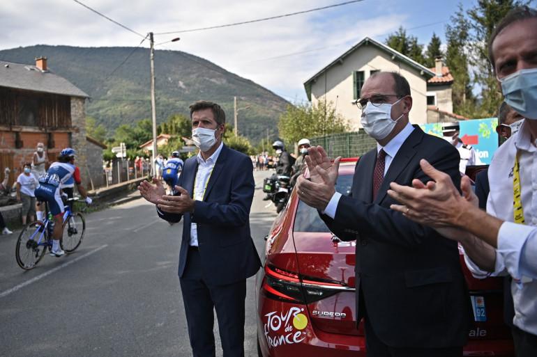 Jean Castex avec Christian Prudhomme sur la route du Tour de France le 5 septembre 2020