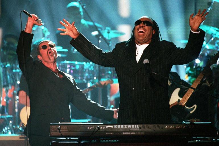 George Michael en duo avec Stevie Wonder en 1997