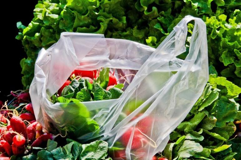 Les sacs plastique sont déjà bannis des caisses des commerces depuis juillet 2016