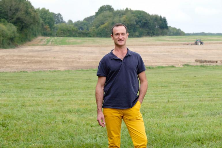 Pierre Emmanuel, 43 ans, est céréalier et éleveur de vaches laitières et allaitantes en Centre-Val-de-Loire