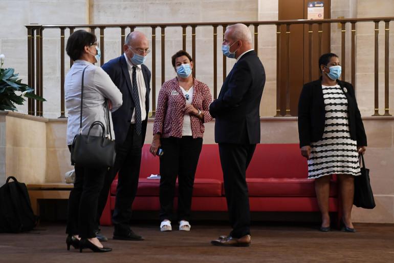 Les responsables de Santé Publique France et le directeur général de la Santé avant leur audition au Sénat