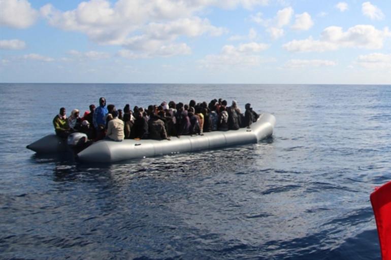 Des migrants sur une embarcation en janvier 2020 (illustration)