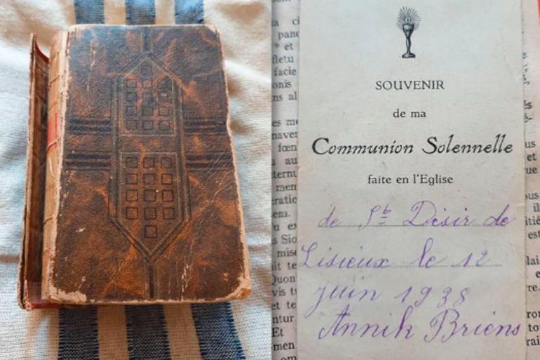 Damian Harrison a envoyé au Mémorial de Caen la photo de la bible retrouvée par son grand-père en 1944