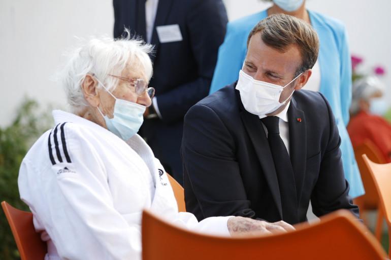 Emmanuel Macron en déplacement dans un Ehpad du Loi-et-Cher le mardi 22 septembre 2020.