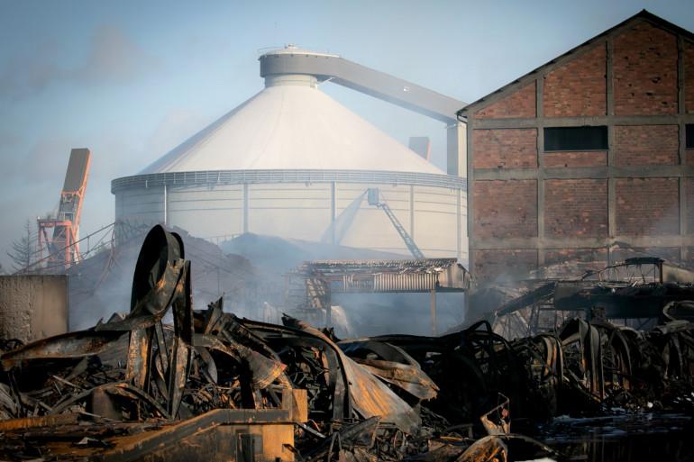 L'usine de Lubrizol, un mois après l'incendie