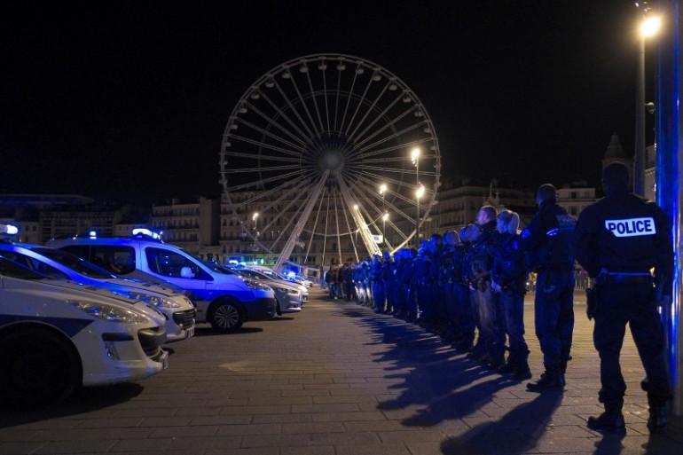 Des effectifs de police à Marseille lors d'une manifestation, le 19 octobre 2016