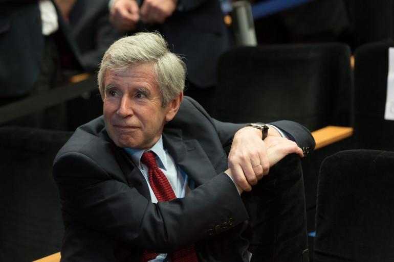 Alain Minc à un meeting d'Alain Juppé à Paris le 10 mai 2016.