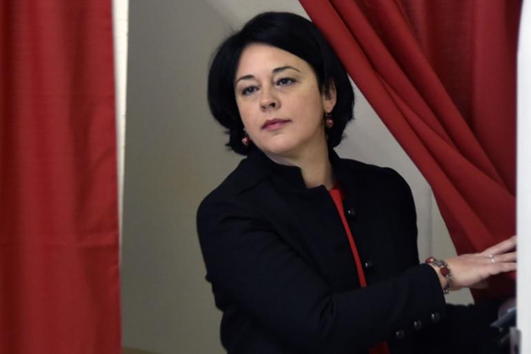 Sylvia Pinel, sortant de l'isoloir lors du premier tour de la primaire de la gauche le 22 janvier 2017
