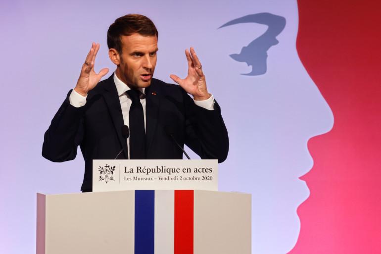 Emmanuel Macron aux Mureaux le 2 octobre 2020