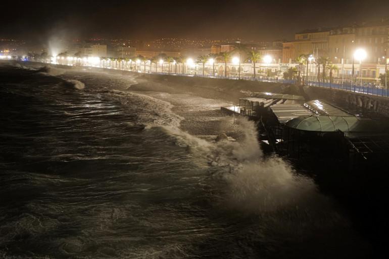 La Promenade des Anglais à Nice pendant le passage de la tempête Alex, le vendredi 2 octobre 2020.