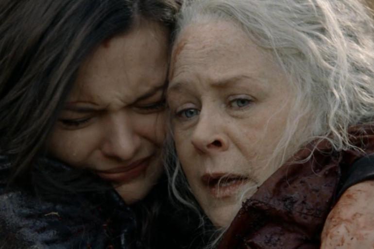 """Lydia et Carol dans le final de la saison 10 de """"The Walking Dead"""""""