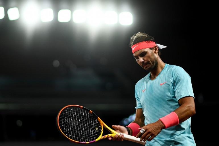 Nadal lors de son quart de finale contre Sinner ans le froid et le vent d'une nuit automnale.