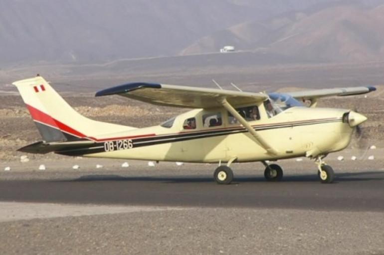 Un avion de tourisme, avant son décollage (illustration)