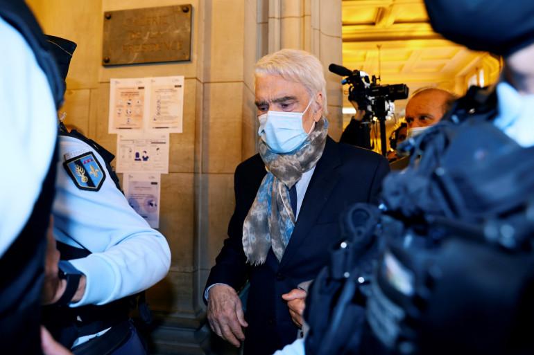 Bernard Tapie au premier jour de son procès à Paris, le 12 octobre 2020.
