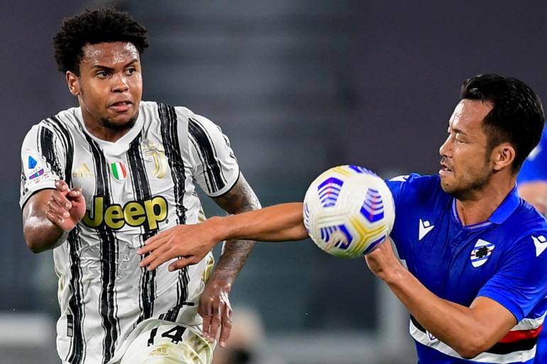 L'Américain de la Juve Weston McKennie face au Japonais de la Sampdoria Maya Yoshida le 20 septembre 2020