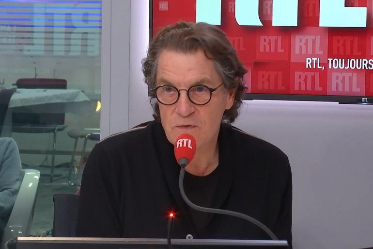 Francis Cabrel se confie sur Jacques Dutronc au micro de RTL