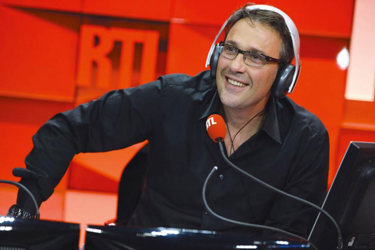 Julien Courbet s'est fait insulter à l'antenne jeudi 16 avril.