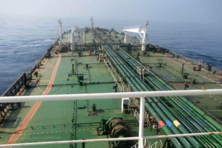 Un bateau pétrolier en mer (illustration)