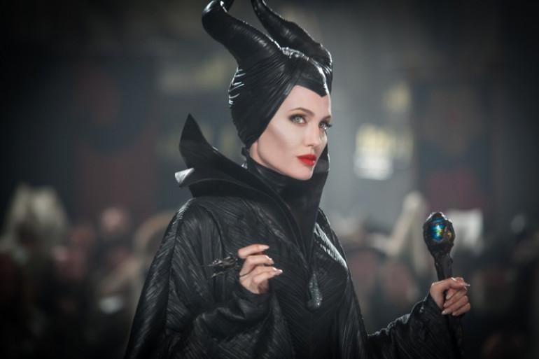 Maléfique est jouée par Angelina Jolie, dans le dernier film de Disney