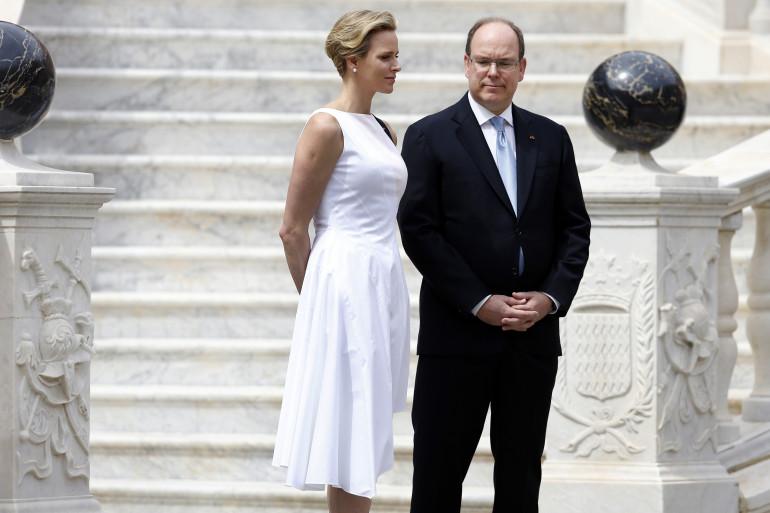 Le prince Albert II de Monaco et son épouse Charlène accueillent le président du Monténégro, le 6 mai 2014