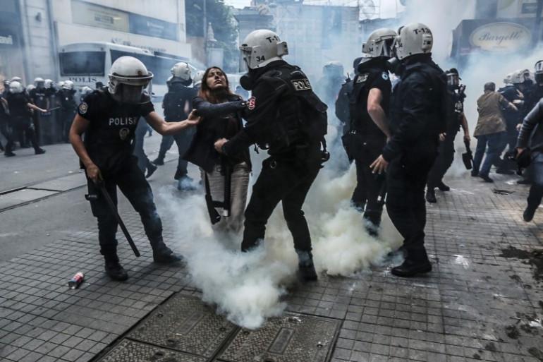 La police turque a utilisé du gaz lacrymogène pour disperser les manifestants ce samedi 31 mai à Istanbul.