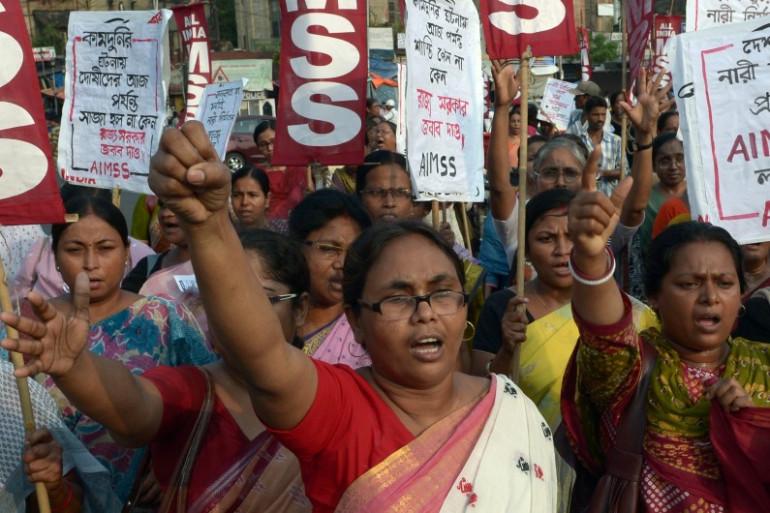 Des manifestants défilent dans les rues de Kolkata, en Inde, le 7 juin 2014 pour protester contre le viol en réunion de deux jeunes filles (illustration)