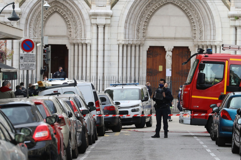 Dispositif de sécurité important autour de l'église Notre-Dame de Nice, où s'est déroulée une attaque au couteau meurtrière le 29 octobre 2020.