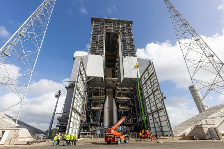 La fusée Ariane 6 en construction à Kourou (Guyane), le 5 mars 2020.
