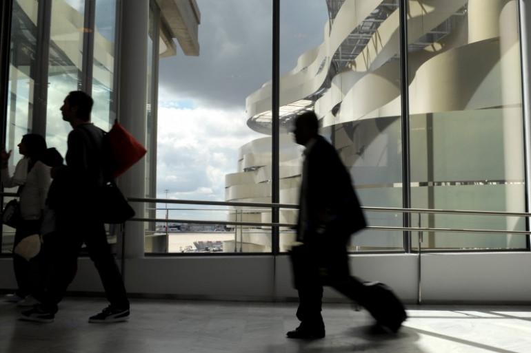 Des passagers à l'aéroport de Roissy en avril 2012 (illustration).