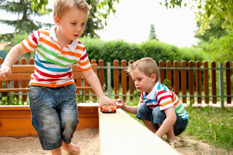 Les enfants bilingues auraient plus de facilités que les monolingues