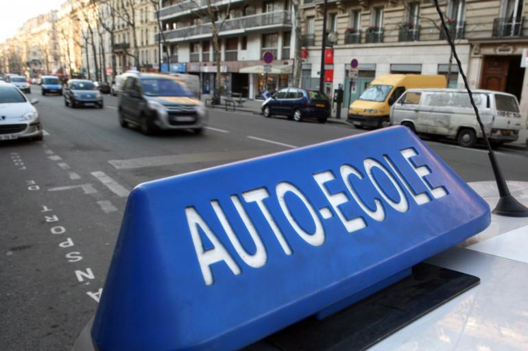 En février dernier, des auto-écoles avaient manifesté leur mécontentement en organisant à Paris, plusieurs opérations escargot.