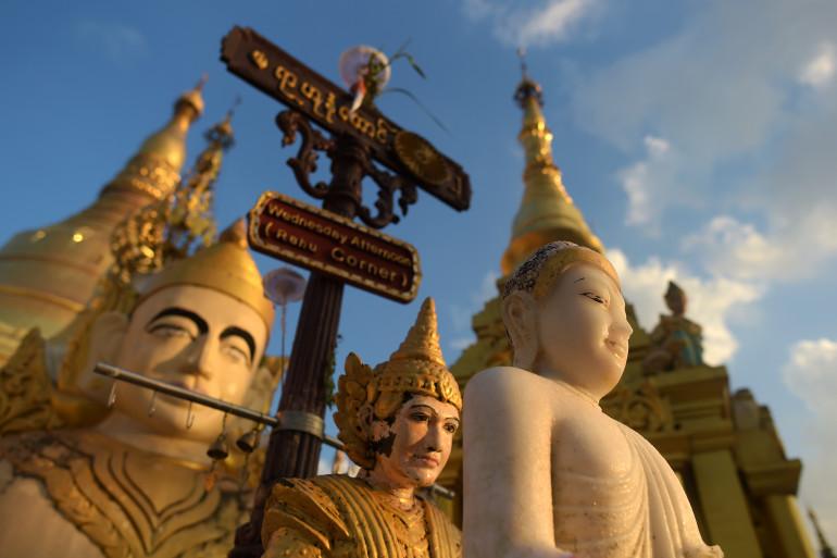 Des représentations de Bouddha en Birmanie (Illustration)