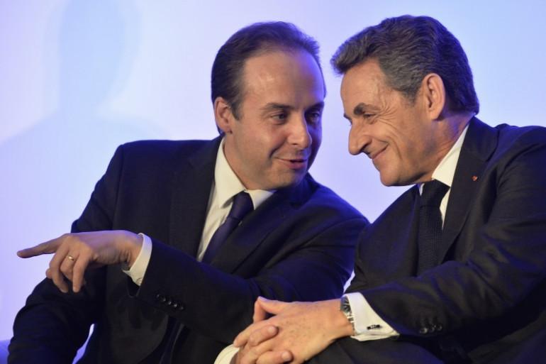 Nicolas Sarkozy et Jean-Christophe Lagarde s'affichent régulièrement côté à côte depuis le début de la campagne, comme ici pour soutenir Bruno Retailleau le 9 novembre 2015.
