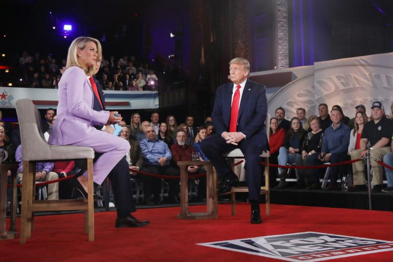 Donald Trump sur un plateau de Fox News avec Bret Baier et Martha MacCallum le 5 mars 2020